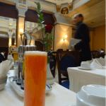 チュニジアの風景(14)フランス風レストランでの朝食