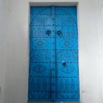 チュニジアの風景(8)色鮮やかな扉