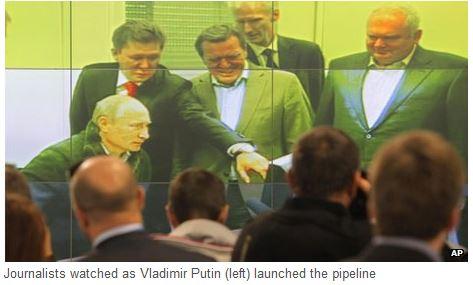 ノルドストリーム開通式2011年9月プーチンとシュレーダー