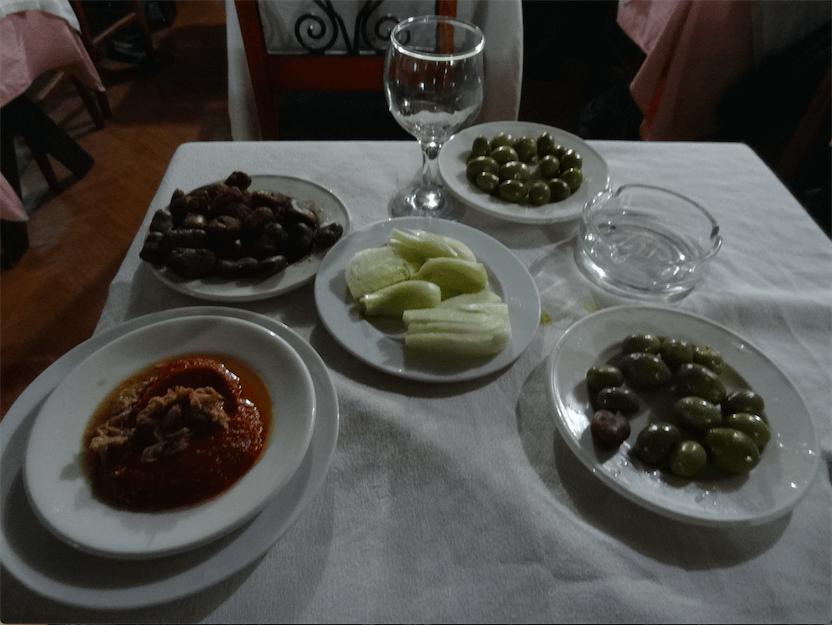 チュニジア食飲み屋のつまみセット
