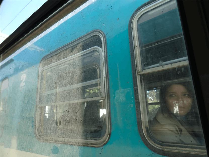 チュニジア近郊電車の客